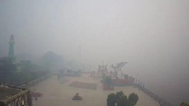 Kabut Asap Pekat, Kualitas Udara Palangkaraya Terburuk di Indonesia