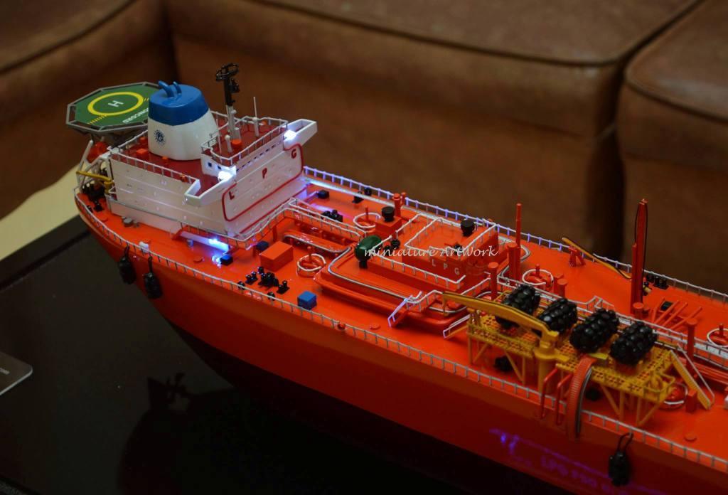 maket souvenir miniatur kapal gas concord lpg vessel tanker offshore ship pt pertamina planet kapal rumpun artwork terkeren