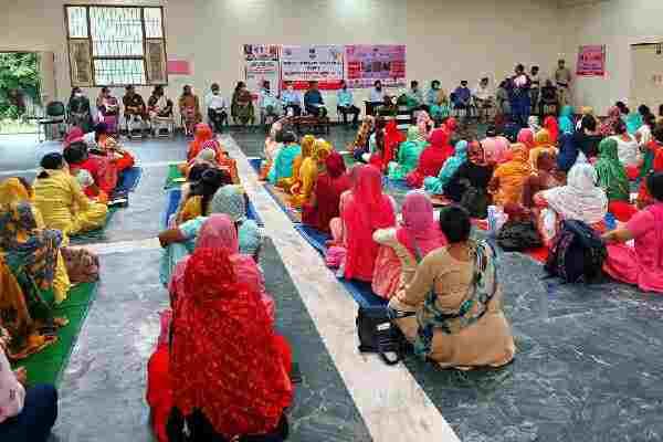 faridabad-dc-jitendra-yadav-told-women-schemes-haryana
