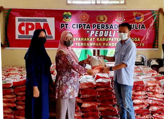 Dampak Covid-19, PT CPM Salurkan 3000 Paket Sembako Ke Pemkab Lingga