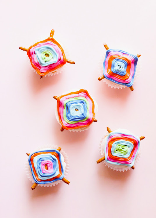 God's Eye or Ojo de Dios Cupcakes for your next crafternoon!