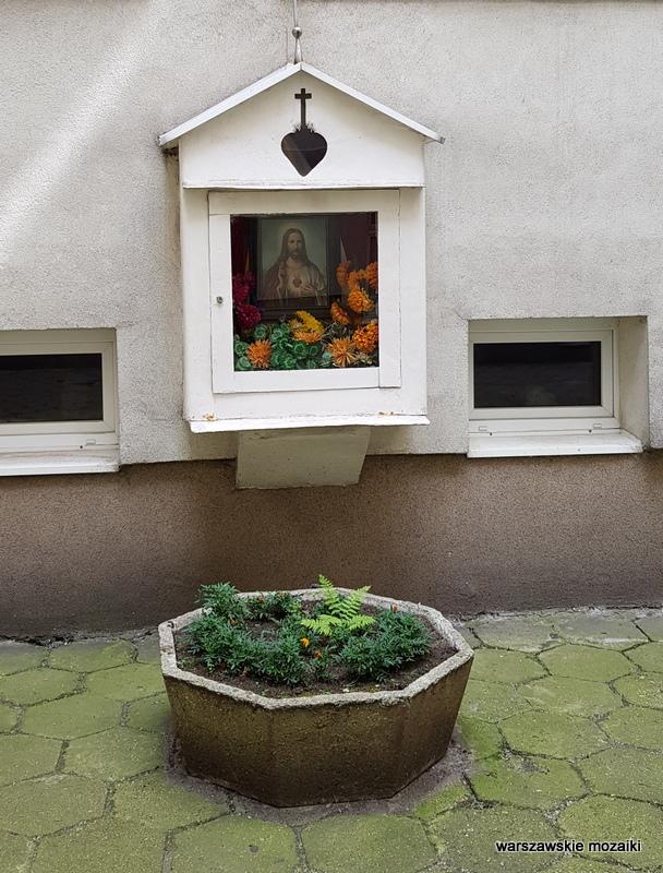 warszawskie kapliczki warszawa warsaw podwórko śródmieście