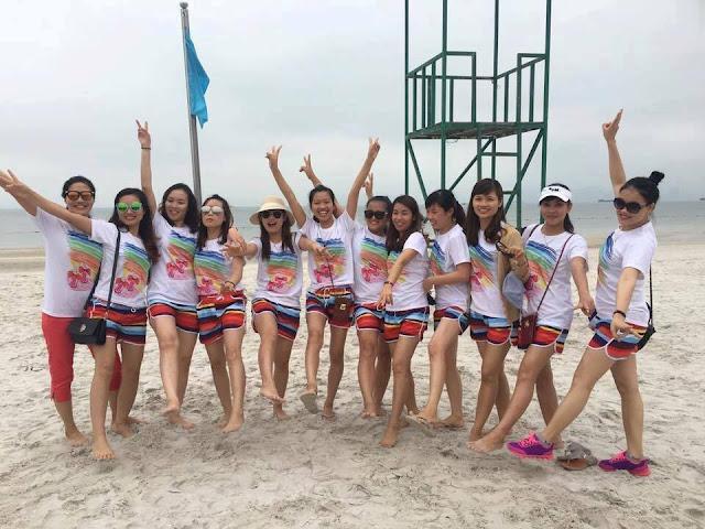 """Đồng phục đi biển cho nhóm Hà Nội là gì mà """"hot"""" vậy?"""