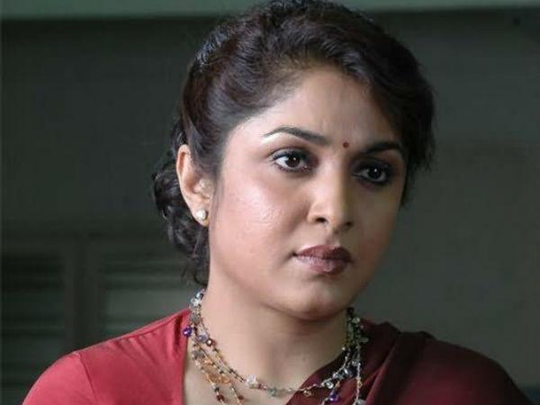 ஆபாசமாக நடிக்க நதியா மறுத்த கேரக்டரில் நடித்திருக்கும் நடிகை ரம்யா கிருஷ்ணன்