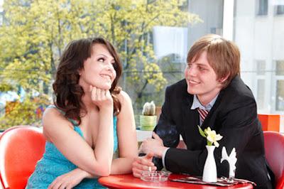 8 Cara Mengatasi Rasa Gugup Saat Berbicara Dengan Wanita
