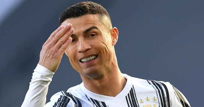 Man City back out of Ronaldo negotiations, Man United in 'advanced position'