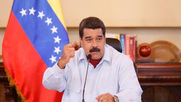 Maduro denuncia campaña mediática contra la paz en Colombia