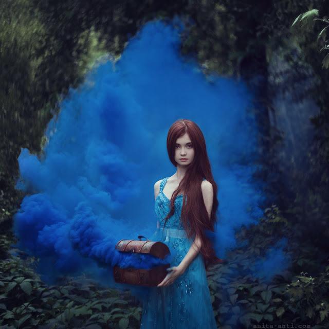 https://www.deviantart.com/anyaanti/art/Pandora-s-box-466251807