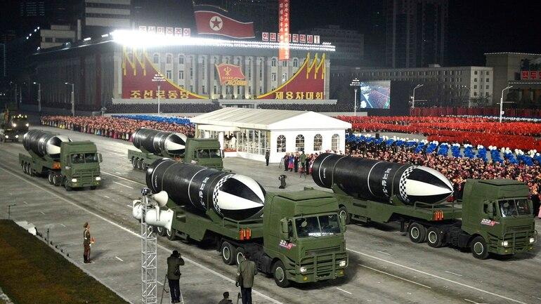 Ракетно-ядерный парад в Пхеньяне