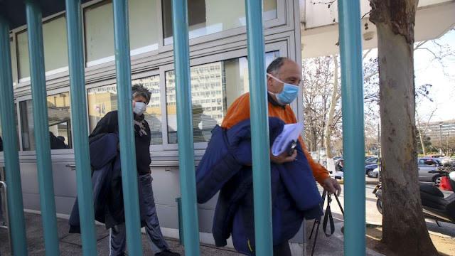 Αυξάνονται τα κρούσματα του κορονοϊού στην Ελλάδα: Σοβαρές καταγγελίες από την 40χρονη