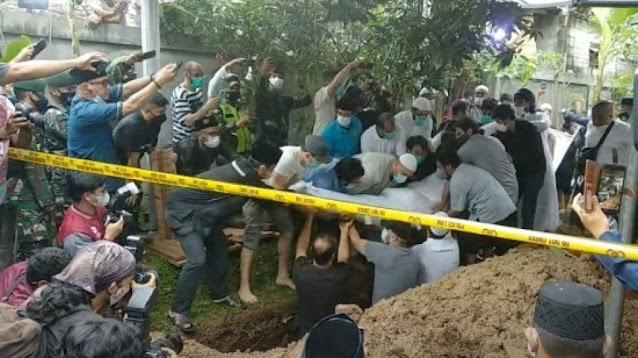 Cerita Penggali Makam Lihat Jenazah Syekh Ali Jaber Sebelum Dikubur