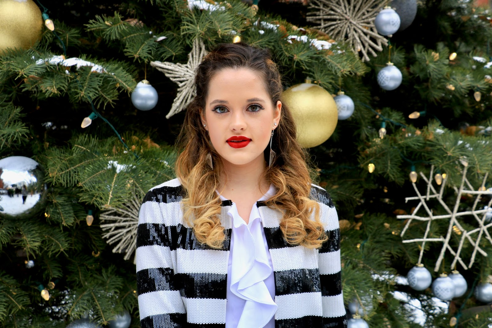 Nyc fashion blogger Kathleen Harper at the High Line Hotel Christmas tree
