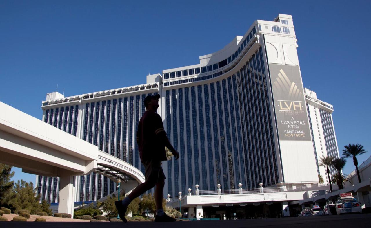 LVH ~ Las Vegas Hilton Review Benihana, Rooms, Spa & Pool ...  Lvh Las Vegas