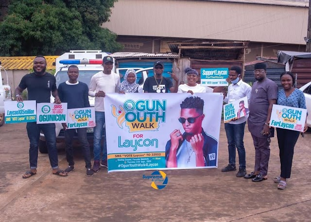 BBNaija: Youths, Elderly March In Support For Laycon, Give Out Airtime For Voting (PHOTOS&VIDEO)