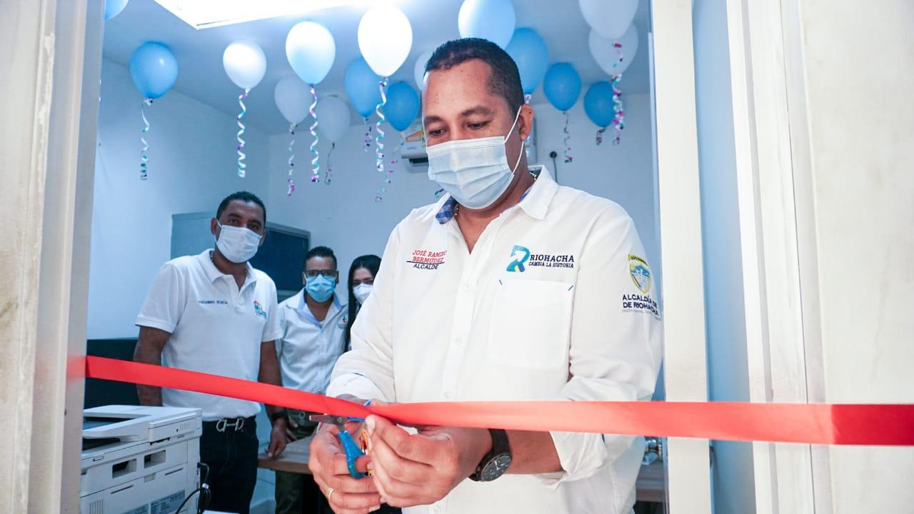 hoyennoticia.com, Alcalde de Riohacha inauguró sede para Superservicios y Supeerindustria y Comercio