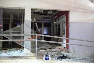 Bandidos explodem agência do Bradesco