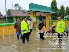 Kapolsek Menekankan Bhabinkamtibmas Untuk Selalu Pantau Banjir Daerah Binaan