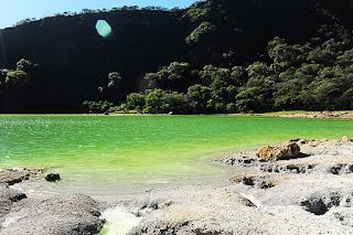 Laguna de Alegria, zeleno jezero v Salvadorju