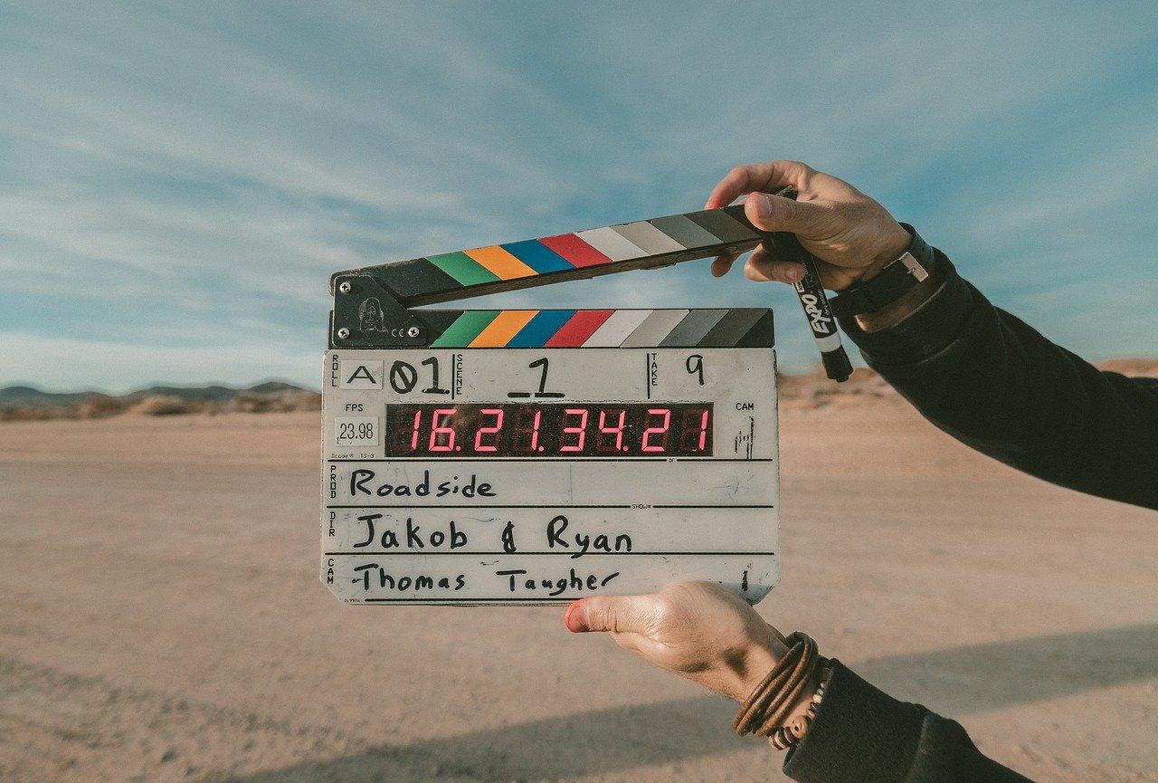 7 ideas de regalos para los amantes del cine en casa