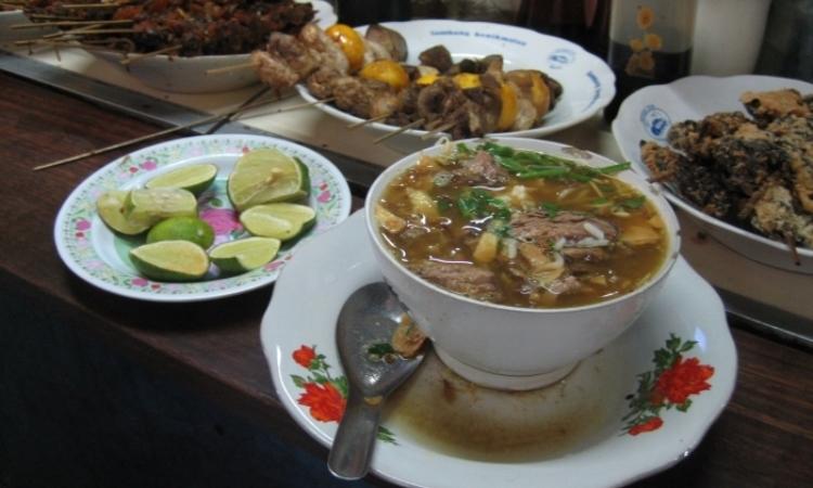 14 Tempat Makan di Kudus Paling Enak & Murah