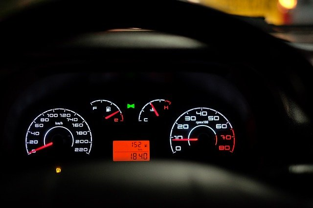 De D à M : les définitions des abréviations sur les véhicules