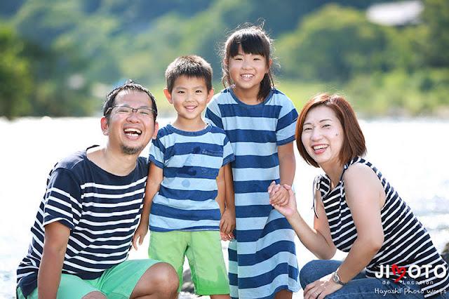 笠置キャンプ場でアウトドア家族写真