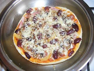 pizza, pizza la tigaie, pizza de casa, retete pizza, reteta pizza, retete de mancare, retete culinare, mancaruri,