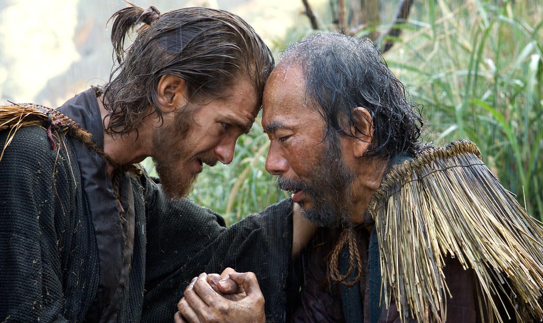 Silence | Liam Neeson e Andrew Garfield em imagens e pôster do épico religioso de Martin Scorsese