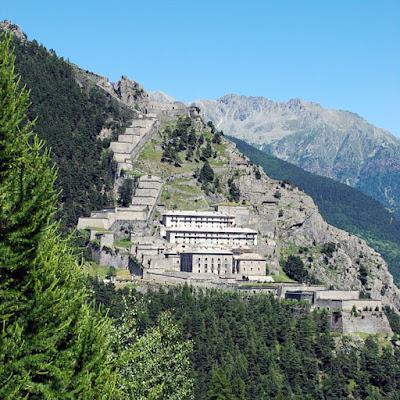 Se ti piacciono le fortezze e vuoi fare una vacanza in Piemonte,passa di qua:)