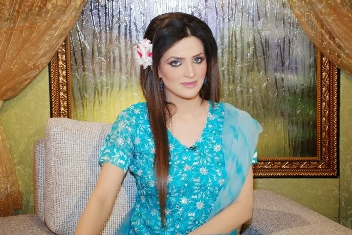 Pakistani Beautiful Girl Wallpaper Sundas Jameel Wallpapers