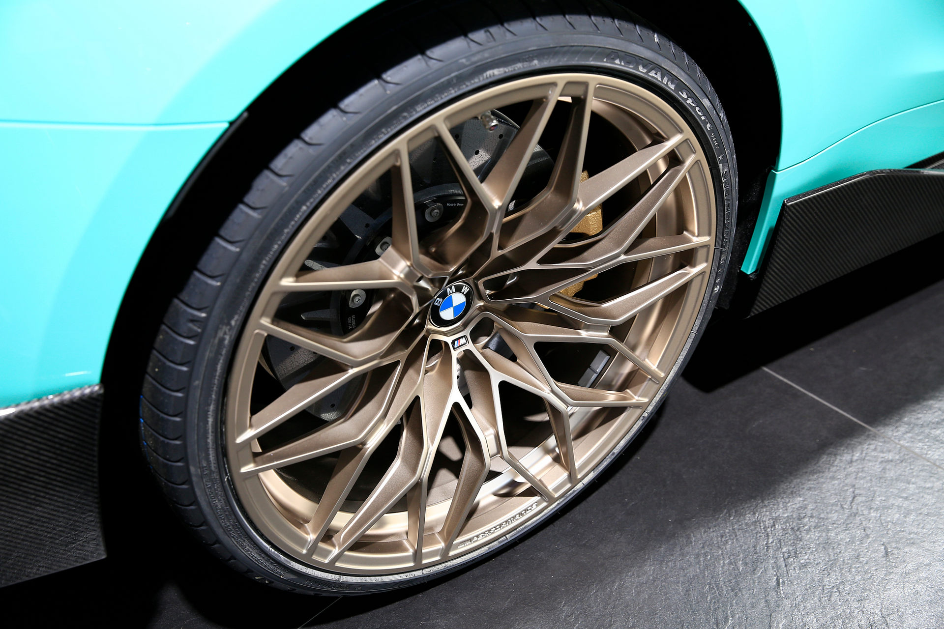 بي إم دبليو BMW M4 Competition تصميم العجلات