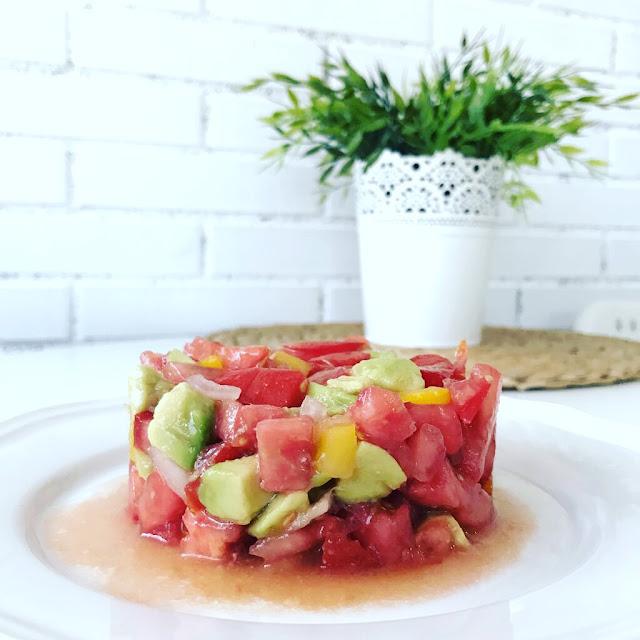 tartar de aguacate y tomate