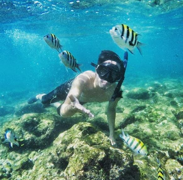 objek wisata snorkeling Pantai Nglambor jogja