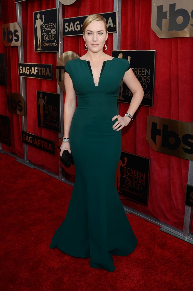 Kate Winslet in a curve hugging gown at the 2016 SAG Awards