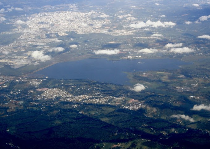 Gestão de resíduos sólidos urbanos nos municípios da Bacia Hidrográfica do Alto Tietê: uma análise sobre o uso de TIC no acesso à informação governamental