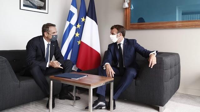 Μητσοτάκης-Μακρόν: Σταματούν οι προκλήσεις, αρχίζουν συζητήσεις, διαφορετικά κυρώσεις