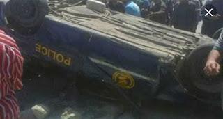 عاجل...مصرع ضابطين و5 جنود في تصادم بين سيارة شرطة ونقل