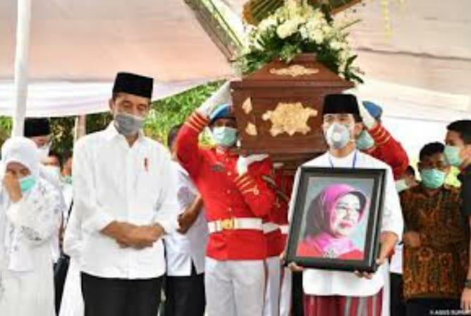 Ibunda Presiden Presiden Jokowi, Sudjiatmi Notomihardjo Tutup Usia