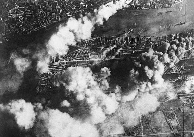 7 September 1940 worldwartwo.filminspector.com The Blitz