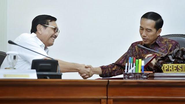 UU Ciptaker Bikin Rakyat Geram, Luhut: Saya Ditelepon Bank Dunia, Jokowi Dapat Pujian