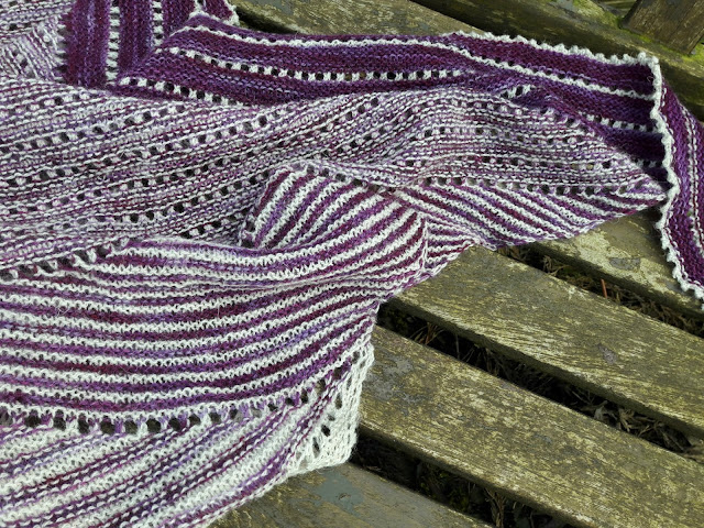 Hartland Cliffs shawl