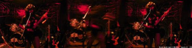 Músico Colombiano tocando en vivo