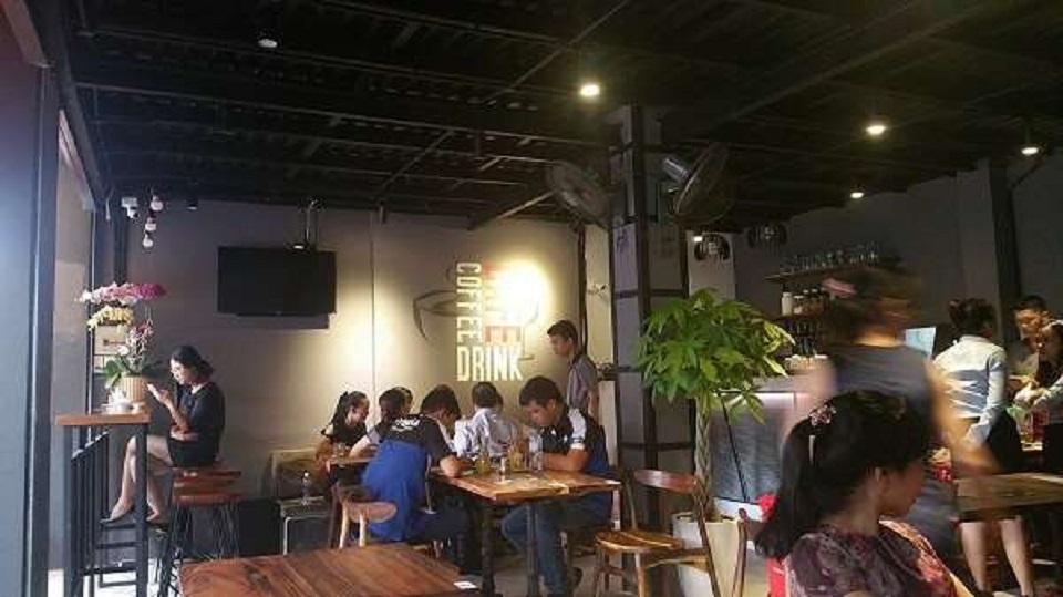 quán cafe phong cách Industrial