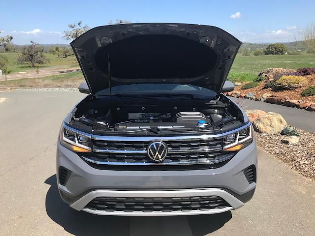 Hood up on 2020 Volkswagen Atlas Cross Sport 2.0T SEL