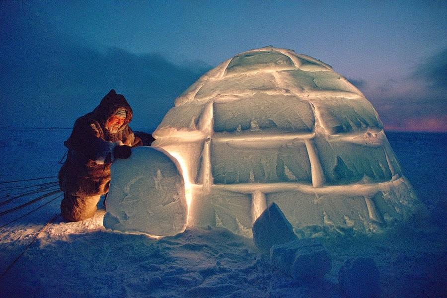 suhunya yang paling dingin dapat mencapai 70 derajat celsius di bawah nol orang eskimo menghuni rumah es mereka banguin dengan sangat cepat