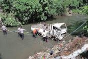 Sopir  Terek -terekan dan Lepas Kendali  Mobil Terjun ke Jurang Tukad Jinah 1 meninggal 8 orang terjun bebas