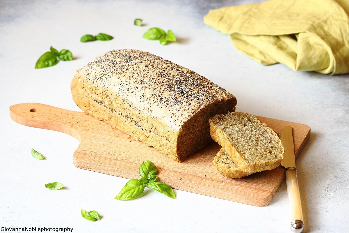 Pane a cassetta al basilico