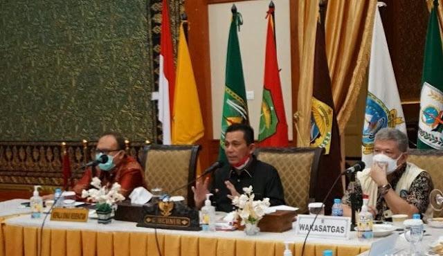 Pimpin Rapat, Gubernur Kepri Minta Pembelajaran Tatap Muka Ditunda