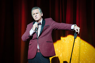 A scene from The Entertainer - Shane Richie as Archie Price Photo by Helen Murray