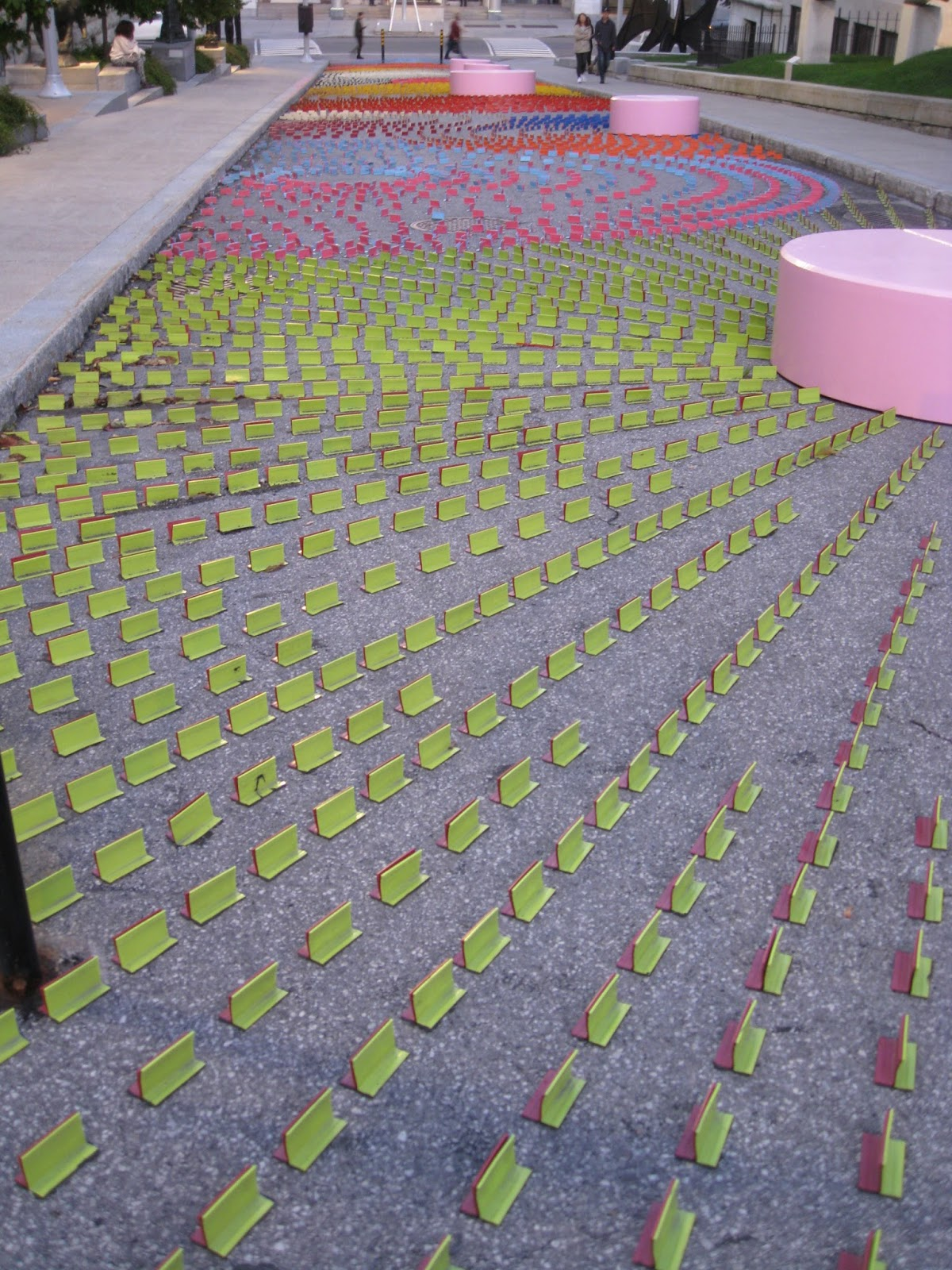 Art frame september 2017 this work consists of 15000 temporary overlay markers tom that are regularly used in road pavement work zones izmirmasajfo